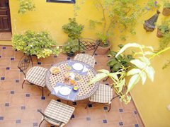 Baraka bed breakfast patio